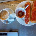 Desayuno barrita con tomate Carmens Selection Avenida de Europa