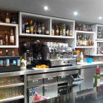Barra y máquina de cafe Bar La Tertulia Desayunar en Paseo de la Habana Madrid