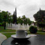 Café museo del traje fuente jardín