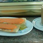 Desayuno Café con leche y tostadas con tomate La Uña avenida de la albufera vallecas