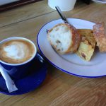 Desayuno café con pincho de tortilla Nitty Gritty desayunar en madrid