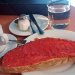 Desayuno café tostada con tomate La Tradicional Tetuán Madrid