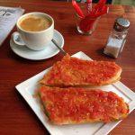 Desayuno café tostadas tomate café alma