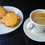Desayuno cafe tostadas con tomate la lola madrid las tablas 1