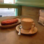 Desayuno tostada con tomate El Azul