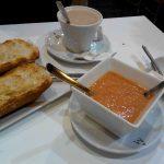 Desayuno tostada con tomate Ferros San Francisco de Sales desayunar en madrid