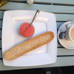 Desayuno tostada tomate Café Bistro Instituto francés e1403535489810