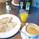 Desayuno tostadas café y zumito bamberg las tablas madrid 1