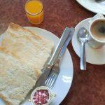 Desayuno tostadas con aceite Coppola