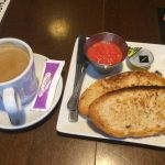 Desayuno tostadas con tomate Conache madrid 1