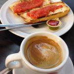 Desayuno tostadas con tomate cafetería gabaldón desayunar en madrid