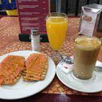 Desayuno tostadas con tomate cafetería nino desayunar en madrid