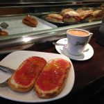 Desayuno tostadas con tomate globolem madrid chamberi