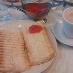 Desayuno tostadas con tomate la fornata islas filipinas madrid
