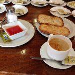 Desayuno tostadas con tomate la fuentona tetuán madrid