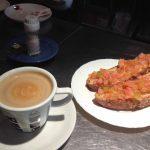 Desayuno tostadas con tomate llarreta desayunar en madrid