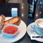 Desayuno tostadas con tomate porto vecchio madrid