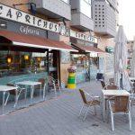 Entrada Cafetería Caprichos desayunar en Madrid