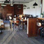 Interior the Chatter Café desayunar en las tablas