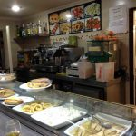 Mostrador café bar toledano desayuno en avenida de asturias 1