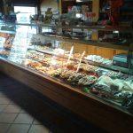 Mostrador cafetería pastelería fuentes bielsa desayunar en madrid