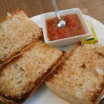 Tostadas tomate Encascarados calle santa engacia 141