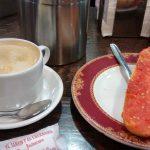 desayuno barrita con tomate el jamon y el churrasco desayunar en madrid